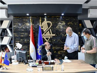 محافظ أسوان يعتمد دفعة جديدة من طلبات التصالح في مخالفات البناء