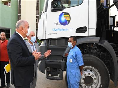 بتكلفة 15 مليون جنيه.. 4 سيارات جديدة لخدمة مشروعات الصرف الصحي بقنا