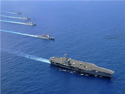 سفينة الأسطول الخامس الأمريكي ترسو بمرفأ بيروت