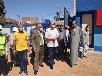 محافظ أسيوط يتفقد أعمال إنشاء مدرسة «عمر طه» للتعليم الأساسي