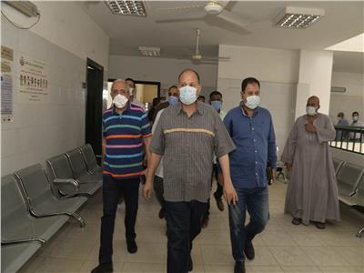 محافظ أسيوط يتفقد أقسام المركز الصحي الحضري بمدينة أبنوب