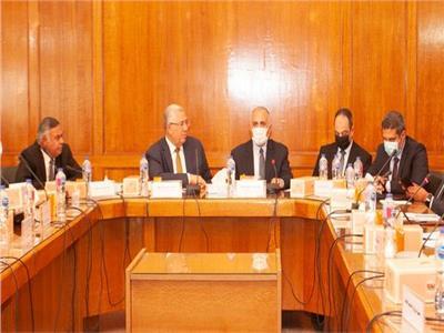 وزيرا الري والزراعة يحضران اجتماع اللجنة الوزارية الدائمة لملف ترشيد المياه