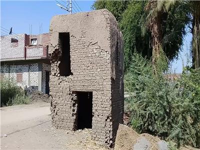 حكايات| نقاط ثابتة من «الطين».. كيف كانت تحمي مصر قرى الصعيد؟