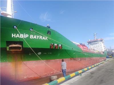 اقتصادية قناة السويس: تفريغ 3900 طن رخام وتداول 20 سفينة بموانئ بورسعيد