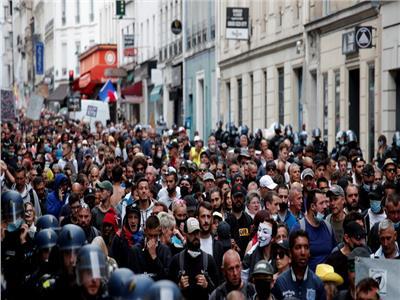 40 ألف متظاهر بشوارع فرنسا احتجاجا على الشهادة الصحية | فيديو
