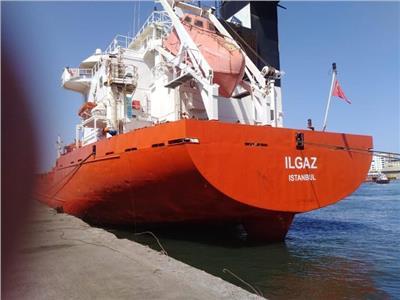 اقتصادية قناة السويس: شحن 4200 طن صودا كاوية وتفريغ 9400 رأس ماشية حية