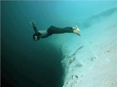 حكايات  حفرة الثقب الأزرق.. مقبرة الغواصين الباحثين عن المغامرة