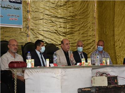 قافلة جامعة عين شمس تقدم خدماتها لأهالي قرية بالبحيرة   صور
