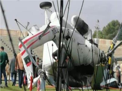 كانت تنقل سيولة نقدية بـ40 مليون دينار.. تحطم طائرة بعد سقوطها في ملعب بليبيا