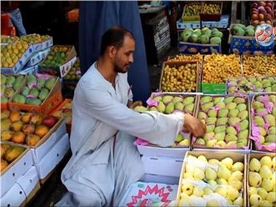 استقرار أسعار الفاكهة في سوق العبور الثلاثاء 26 أكتوبر