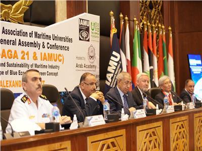 وزير النقل: القيادة السياسية تسعى لتحويل مصر إلى مركز تجارة عالمي