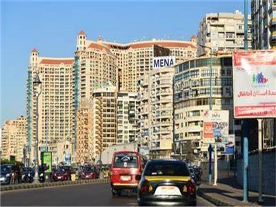 تباطوء مكاسب القطاع العقاري المصري يدفع بقطاعات الصناعة والزراعة للتطور