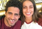 صورة| رومانسية حمدي الميرغني مع زوجته على متن الطائرة