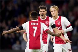 أياكس يهزم تيلبورج في الدوري الهولندي