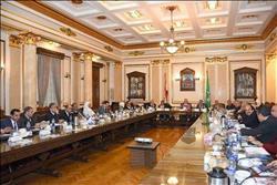 مجلس جامعة القاهرة يستعرض سير امتحانات الفصل الدراسى الأول وتأمينها بالكليات