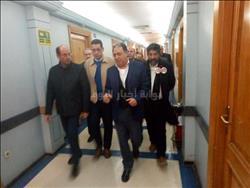 وزير الصحة وأطباء يجرون جراحة دقيقة لمصابة بحادث كنيسة حلوان