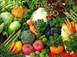 تعرف على أسعار الخضروات والفاكهة فى سوق العبور