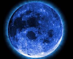 «القمر الأزرق» يعود بعد غياب 150عامًا| فيديو