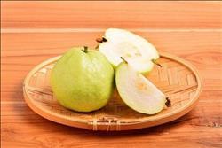 10 فوائد للجوافة.. أبرزها الوقاية من البرد والعناية بالبشرة