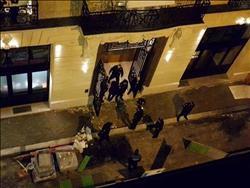 صور.. سطو مسلح على فندق شهير في باريس