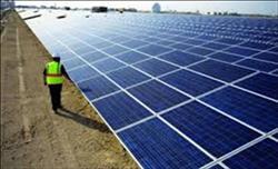 تعرف على أكبر محطة طاقة شمسية بأسوان