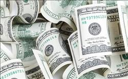تعرف على أسعار العملات بعد تثبيت الدولار الجمركي بالموانئ