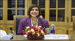 """عميدة """"آداب عين شمس"""" تطلق مبادرة """"أنا متطوع"""" لمشاركة الشباب بمعرض القاهرة الدولي للكتاب"""