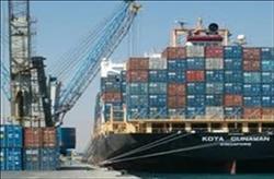 تداول 16 سفينة حاويات وبضائع عامة بموانئ بورسعيد