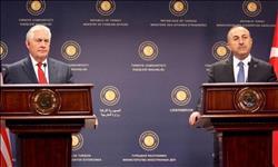 تشاويش أوغلو: طالبت تيلرسون بوقف الدعم الأمريكي للقوات الكردية في سوريا