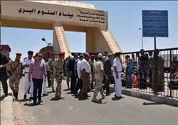 عودة 154 مصريًا ووصول 95 شاحنة عبر منفذ السلوم خلال 24 ساعة