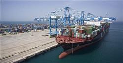 ميناء غرب بورسعيد يستقبل سفينة لبنانية حمولتها 9367