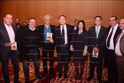 صور| تامر عبد المنعم يحتفل بتوقيع كتابه «مذكرات فلول»