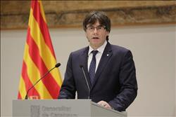المحكمة الدستورية الإسبانية: بوجديمون لا يمكنه حكم الإقليم من الخارج
