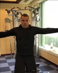 فيديو| الهضبة يظهر لياقته البدنية في صالة الجيم