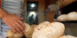 الحكومة تنفي تحويل الدعم العيني للخبز إلى نقدي