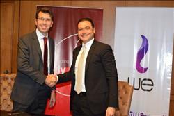 المصرية للاتصالاتوفودافونتوقعان اتفاقية لتقديم خدمات التراسل والبنية التحتية