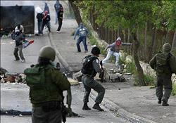 استشهاد فلسطيني وإصابة 30 آخرين في اقتحام القوات الاحتلال لمدينة نابلس