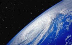 كشف علمي: الملايين من الفيروسات تسقط من السماء يوميا
