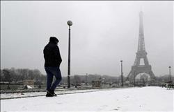 إغلاق برج إيفل بسبب سوء الأحوال الجوية