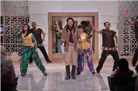 صور| محمد الحلو يستعرض مسرحيته «السلطان الحكيم» في «معكم»