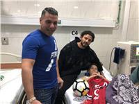 حسام غالي يلبي نداء طفل مصاب بالفشل الكلوي في أبو الريش