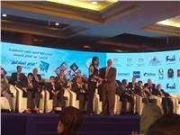 صور| وزيرة الهجرة تكرم علماء مصر المشاركين في «مصر تستطيع»
