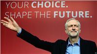 زعيم المعارضة البريطانية يتعهد باتخاذ موقف أكثر مرونة تجاه الهجرة من «ماي»