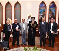 تواضروس يلتقي أعضاء مؤسسة القديس مرقس بالكاتدرائية