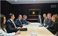 وزير الاتصالات يلتقي قيادات إنتل و فودافون و إريكسون