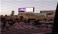 لقطة اليوم| سور المسرح القومي بقبضة الباعة الجائلين
