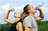 ٨ فوائد لشرب الماء أثناء ممارسة الرياضة