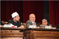 وزير الأوقاف يشيد بدور جامعة القاهرة في إحياء المواسم الثقافية
