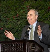 القائم بأعمال السفير الأمريكي: نقف على حياد في الانتخابات الرئاسية المصرية