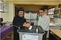 الأنبا مرقس يدلي بصوته في الانتخابات الرئاسية